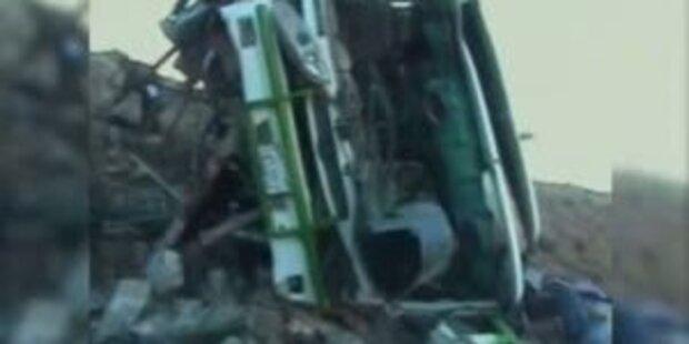 Bus stürzt in Schlucht: 28 Tote in Bolivien