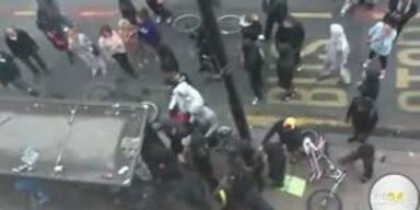 Hooligans verteidigen Londons Straßen
