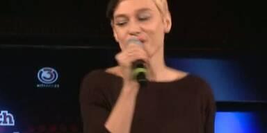 """Valerie singt """"Comme Ça"""""""