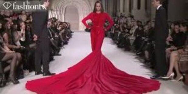 Yasmin Le Bon präsentierte 50kg-Kleid