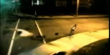 Fahrerflucht nach brutalem Unfall