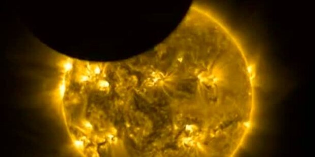 Tausende bestaunten totale Sonnenfinsternis