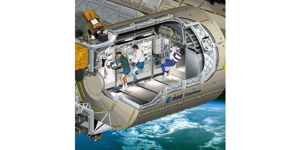 "US-Shuttle ""Atlantis"" in Cape Canaveral gelandet"