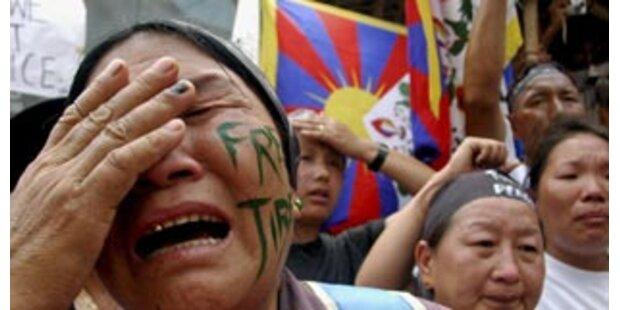 Bei neuen Unruhen in Sichuan ein Polizist getötet