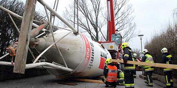 40 Tonnen schwerer Silo stürzte um