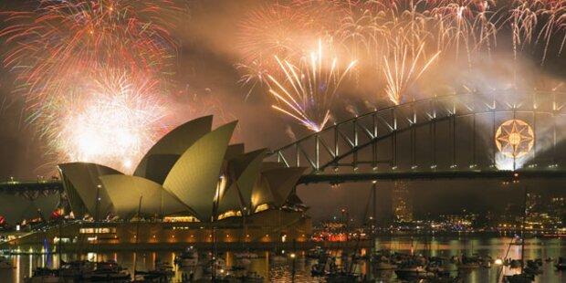 Schaulustige frühzeitig am Hafen von Sydney