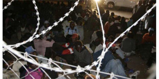 Simbabwesen fliehen in Botschaft Südafrikas