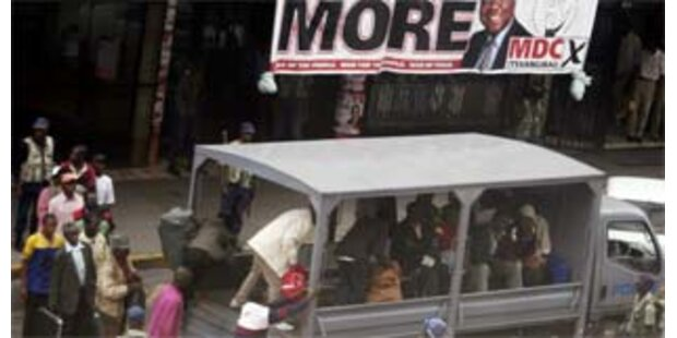 Polizei stürmt Sitz von Simbabwes Opposition