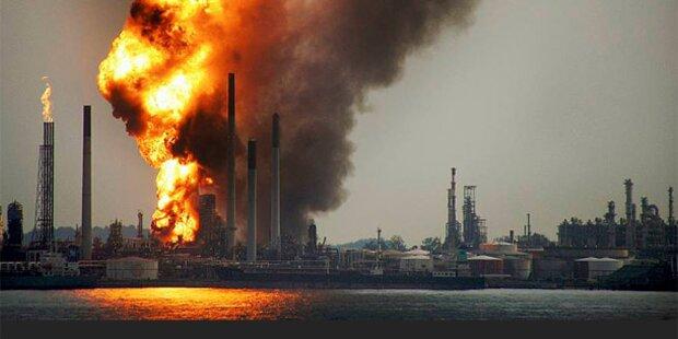 Feuer in Shell-Raffinerie gelöscht
