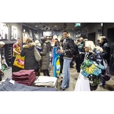 Versace für H&M: Kollektionsauftakt