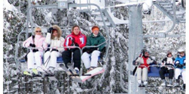 300 Urlauber saßen in Sölden auf Skiliften fest