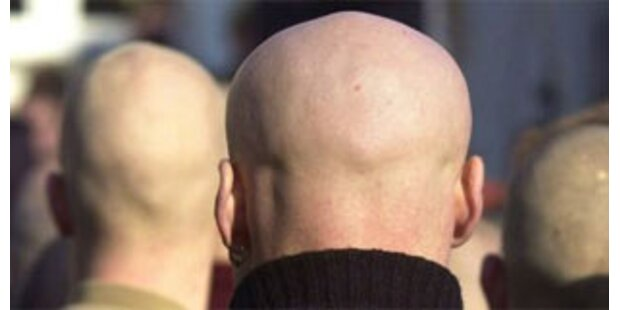 Skindheads prügeln jungen Italiener zu Tode