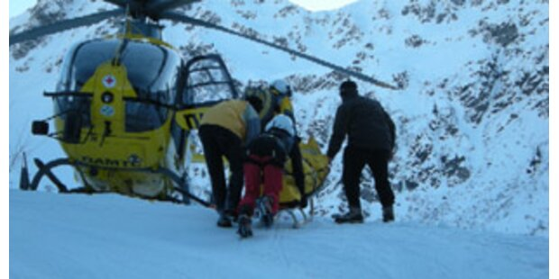 Spektakuläre Bergung nach 100-Meter-Sturz mit Rodel in Tirol
