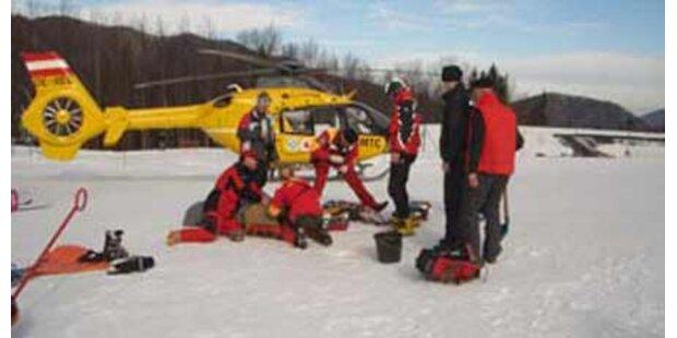 Skifahrer stürzt in Tirol in den Tod