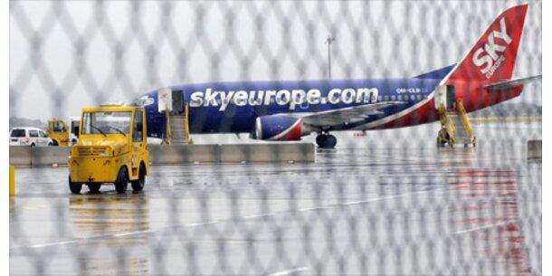 Gepfändeter Sky-Europe-Jet noch in Paris