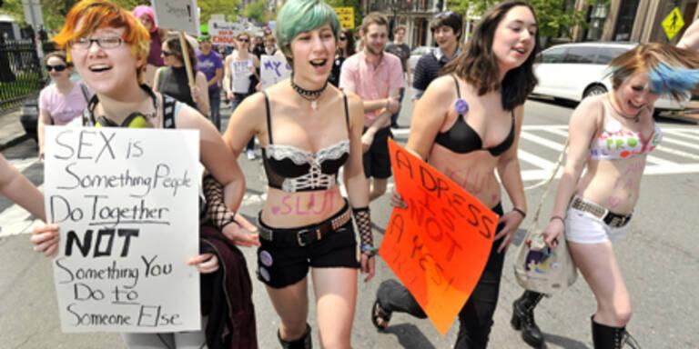 "Tausende nahmen an ""SlutWalk"" teil"