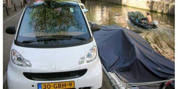 Vandalen schubsen Autos ins Wasser
