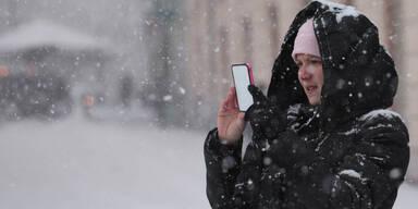 So hält der Handy-Akku bei Kälte länger durch