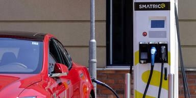 Neues Online-Verzeichnis für E-Auto-Ladestationen