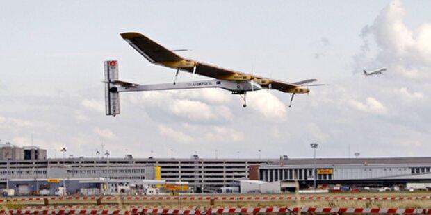 Solarflugzeug kehrt nach Brüssel zurück