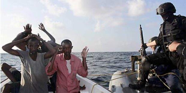 NATO-Zerstörer versenkte Piratenschiff