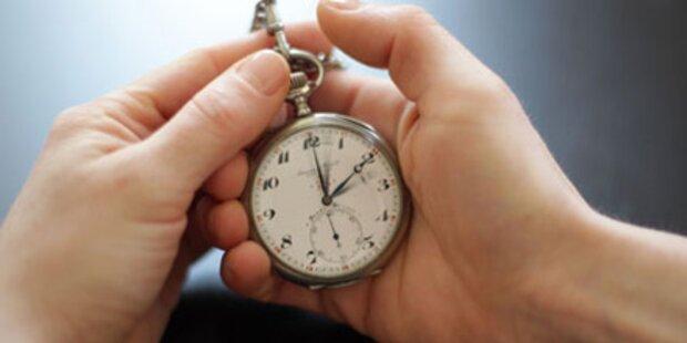 Am Sonntag wird an der Uhr gedreht
