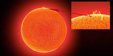 Spektakulär: ISS direkt vor Sonneneruption abgelichtet