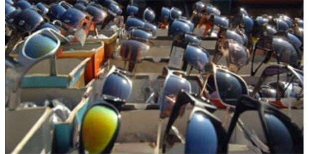 Einbrecher stahlen 100 Sonnenbrillen