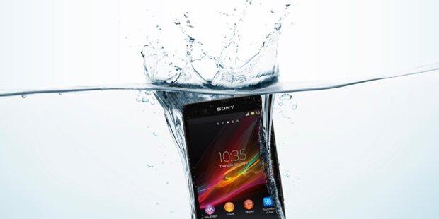 Handy kaputt: Wasser-Schaden als Vorwand