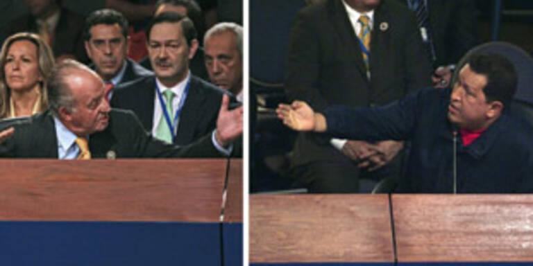 König Juan Carlos (l.) im Wort-Duell gegen Venezuelas Präsident Chávez (r.)
