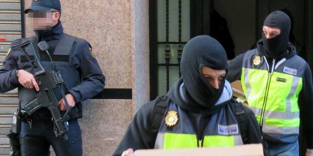 Mutmaßliche IS-Terrorhelfer festgenommen