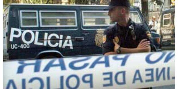 Erpressten spanische Polizisten Schutzgeld?