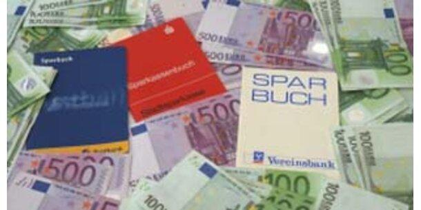 Österreicher horten 143 Mrd. Euro auf Sparbüchern