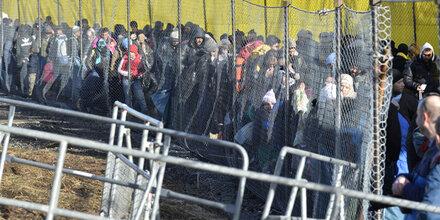 Spielfeld: 27 Flüchtlinge stellten Asylanträge