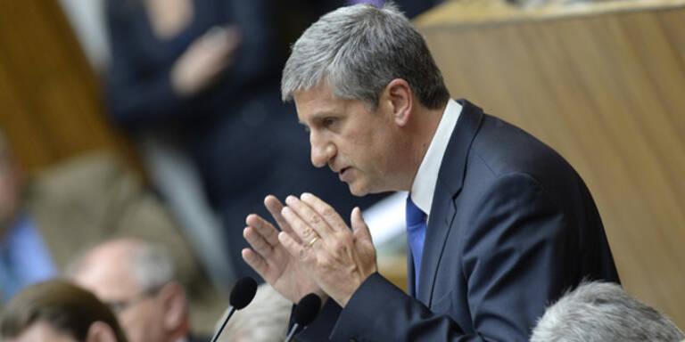 Nationalrat beschließt umstrittenes Budget