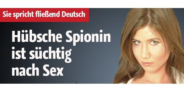 Hübsche Spionin ist süchtig nach Sex