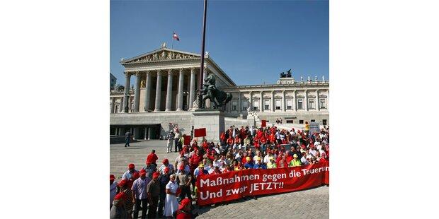 SPÖ ging für ihr Teuerungspaket auf die Straße