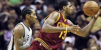Duncan führt Spurs zu Heimsieg