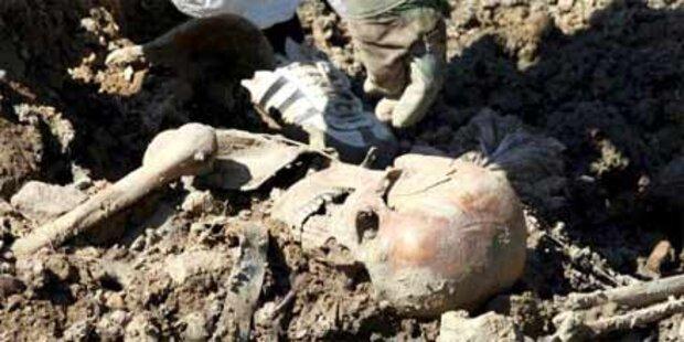 Schwule schuld an Srebrenica-Massaker