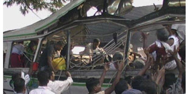 Bombenanschlag auf Bus in Sri Lanka