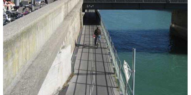 Jugendlicher stürzte von Staatsbrücke