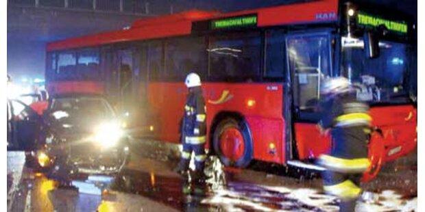 Pensionist (87) schießt Bus ab