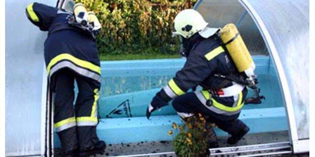 Pool-Wasser verhindert Brandkatastrophe