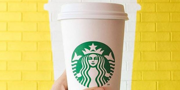 Starbucks führt jetzt Pappbecher-Gebühr ein