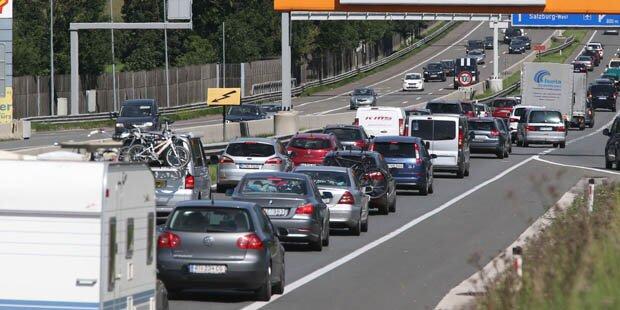 Unfall auf A23 - Sechs Kilometer Stau
