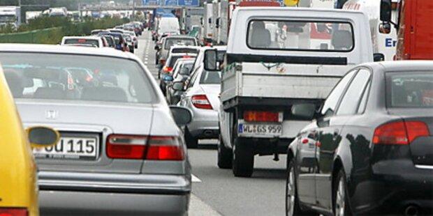 Ferienbeginn: Lange Staus auf den Autobahnen