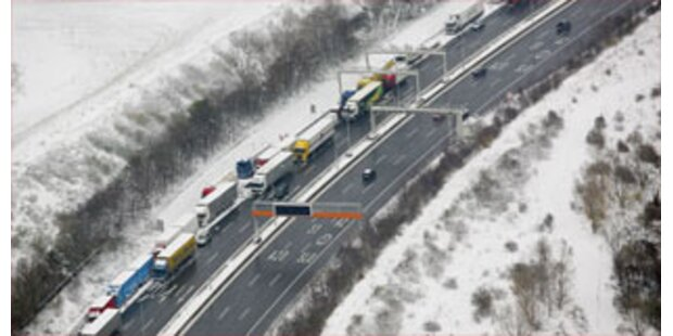 Winterurlauber sorgen für Staus in Westösterreich