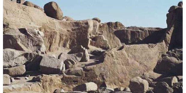Von 1 Tonne-Granitblock getroffen