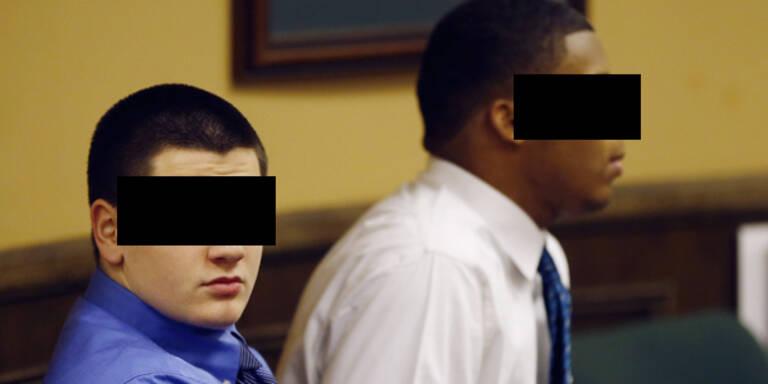 Teens vergewaltigen Mitschülerin