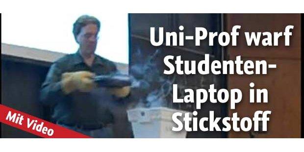 Uni-Prof zerschmettert Notebook